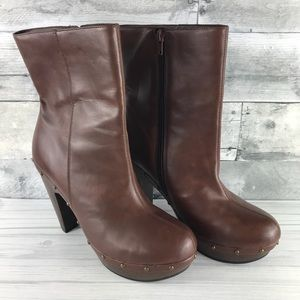 """Shoedazzle Brown Studded """"Arwen"""" Boots 10"""
